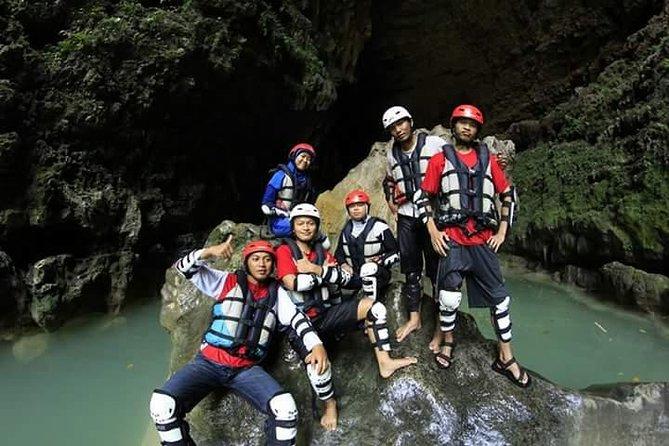 Kalisuci Cave Tubing - Admission Ticket