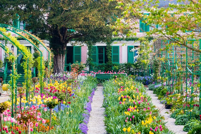 Giverny Afternoon Small Group Tour with Monet's House, Gardens & Museum