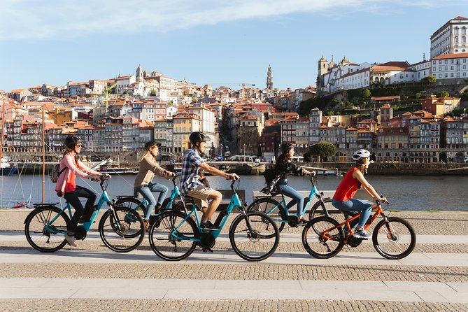 3-Hour of Porto Highlights on a Electric Bike - Guided Tour