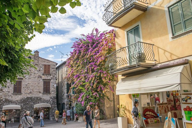 Private Day Trip to Lake Garda: Sirmione, Lazise & Desenzano by Car from Milan