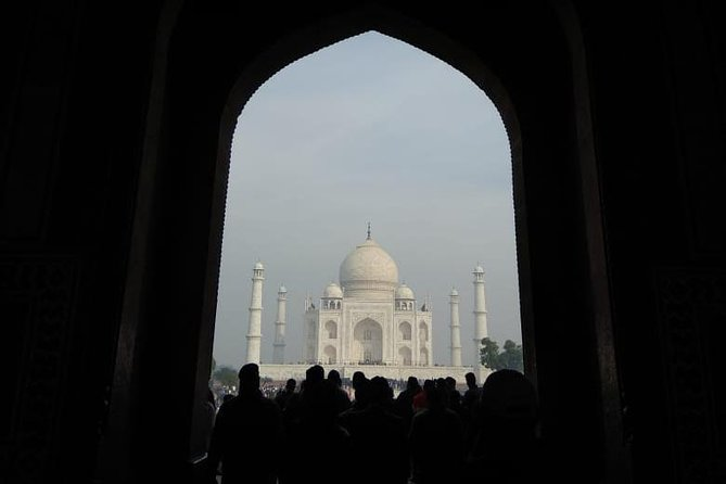 Private Tour to Taj Mahal from Delhi