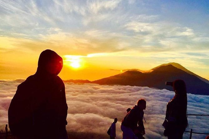 Bali: Mount Batur Sunrise Hike and Natural Hot Spring