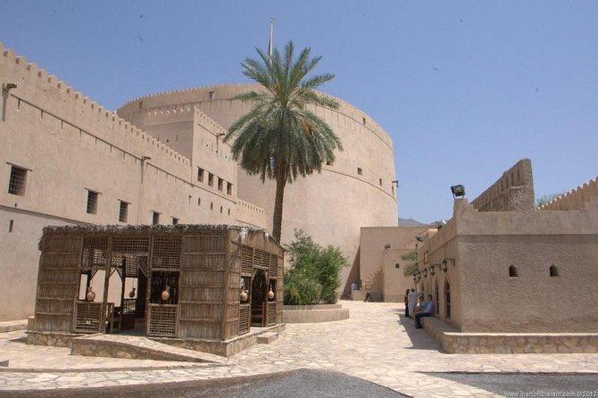 Nizwa City & Jabel Akhdar Culture Tour
