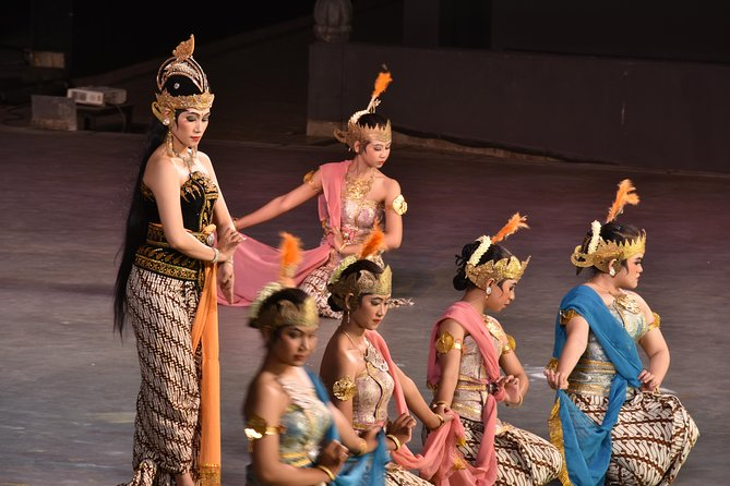 Ramayana Ballet Performance In Prambanan Temple With Dinner