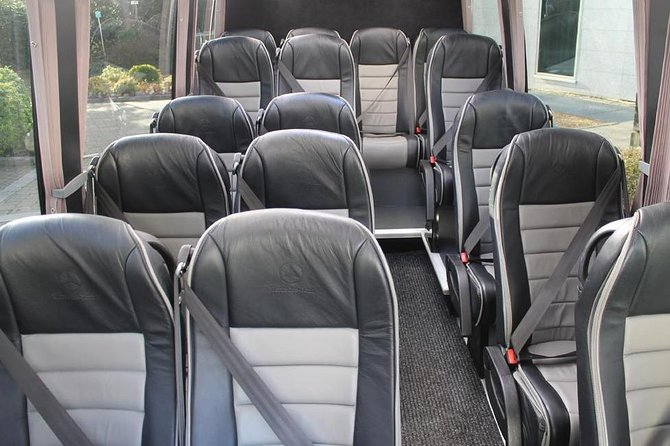 Southampton Private Minibus Transfer to Gatwick Airport or Hotel photo 4