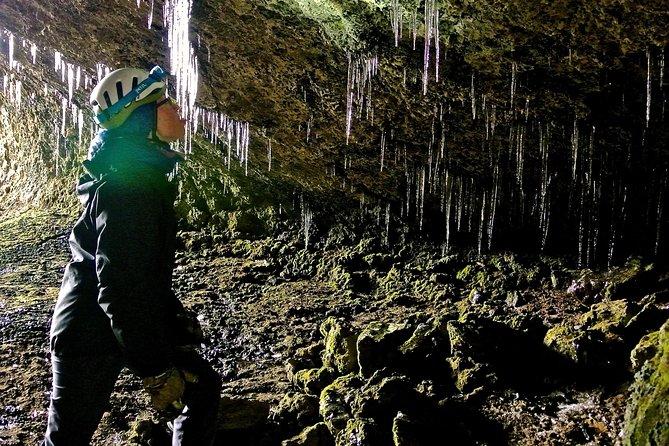 Tour di speleologia per piccoli gruppi di lava a Reykjavik