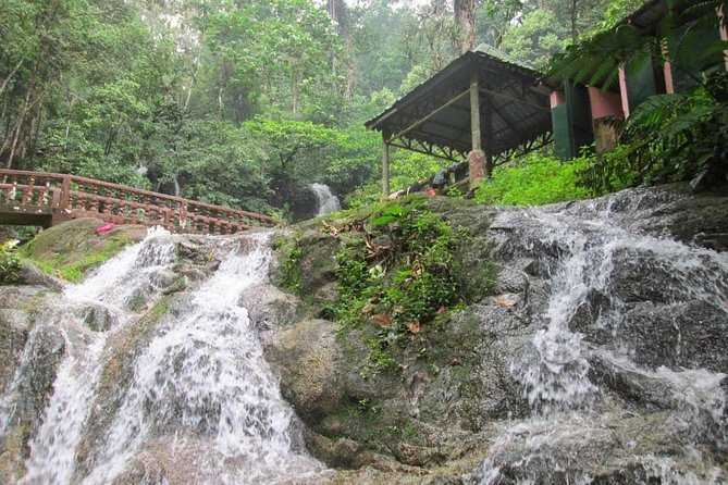Kuala Lumpur Countryside Waterfall & Batu Caves Private Tour