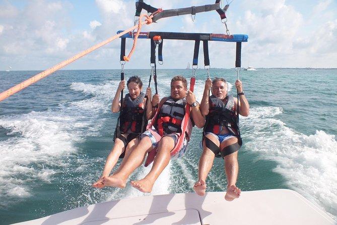 ビスケーン湾でのマイアミパラセーリングエクスカーション