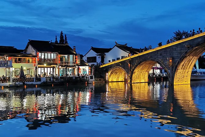 Late afternoon visiting Zhujiajiao with dinner
