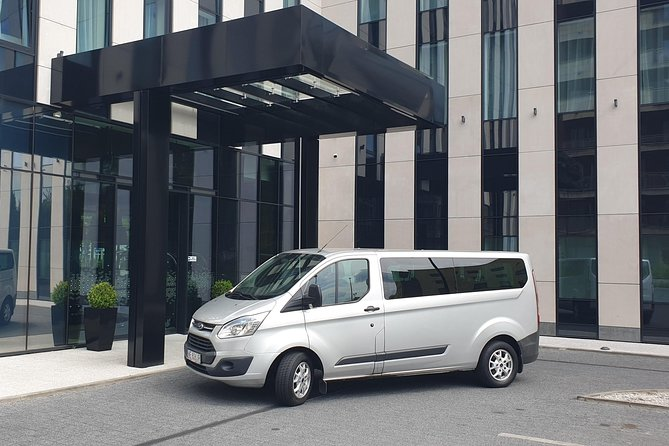 Warsaw Chopin Airport one way private transfer 5-8 PAX