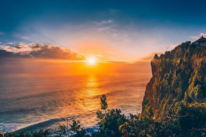 Tanah Lot Temple & Uluwatu Sunset Tour (Include All Ticket Entrance)