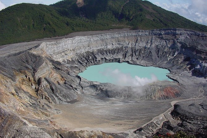 Doka Coffee Tour, Poas Volcano and La Paz Waterfall Day Trip from San Jose