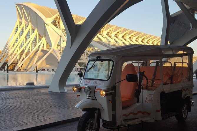Discover València at TukTuk - València Moderna