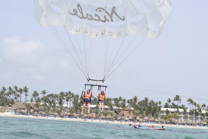Parasailen op het Bávaro-strand vanaf Punta Cana