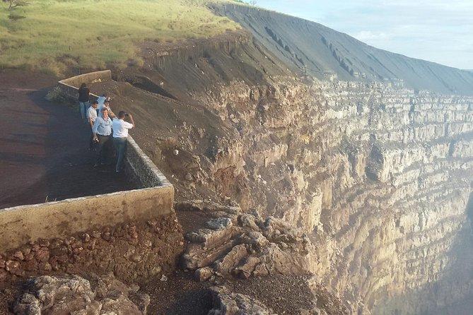 3 Volcanoes Day Tour vanuit Granada