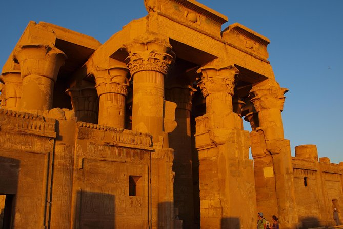 Private Tour: 8 Days 7 Nights Pyramids and Nile Cruise by Air from Cairo