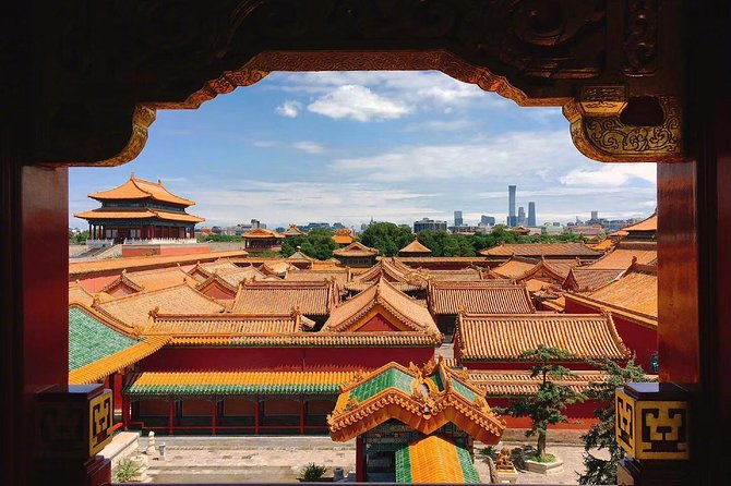 Explore Beijing with camera--City Walk tour with Professional photography guide