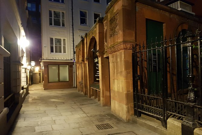 The Alleyways And Shadows Old City London Ghost Walk photo 1