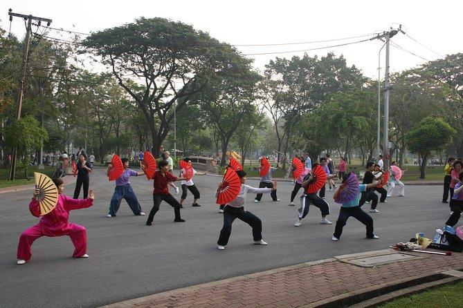 Tai-Chi in Lumpini Park Bangkok