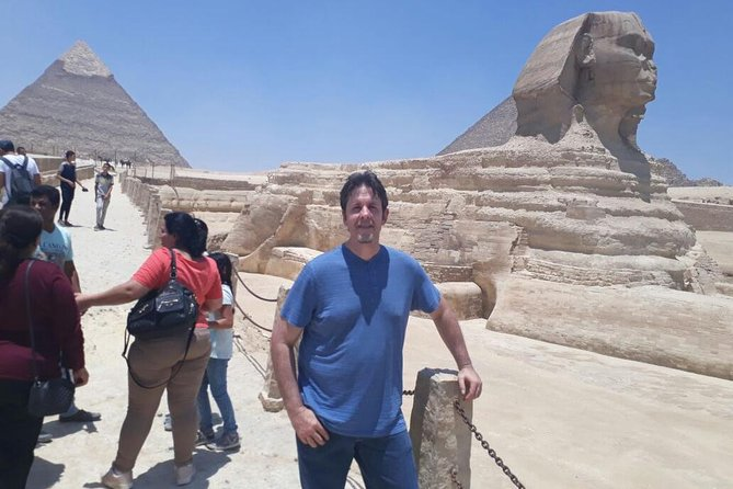 Day Tour to Giza Pyramids and Egyptian Museum from Cairo