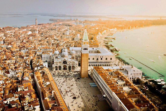 4-Hour Venice Walking tour with Skip the line Doge's Palace & St Mark's Basilica