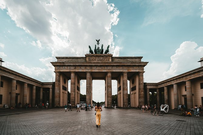 Private Transfer from Munich to Berlin with 2 hours of Sightseeing