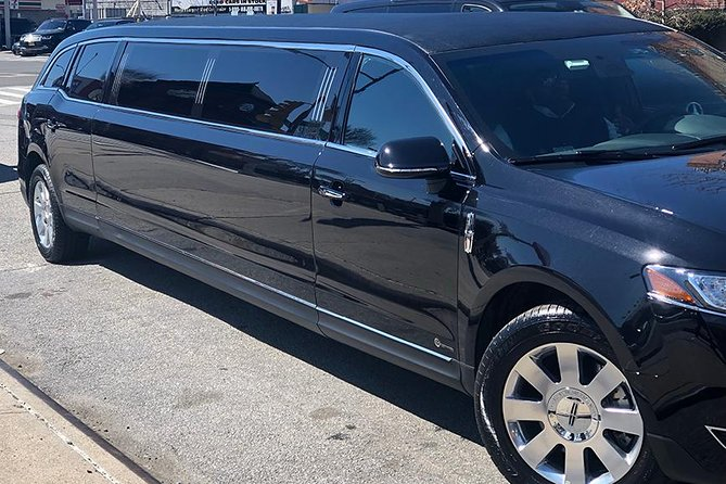 Luxury VIP New York City Airport Departure Transfer by Stretch Limo