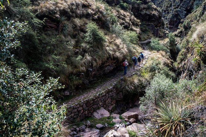 Inca Trail to Huchuycosco photo 2