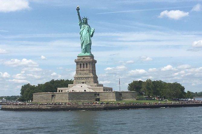 Skip the Line Statue of Liberty Pedestal, Ellis Island & Orientation Tour Ticket