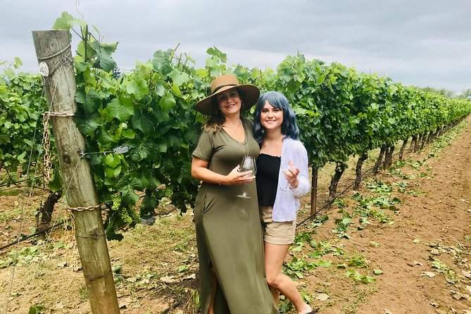 Mother Daughter Love at Alloro Vineyards