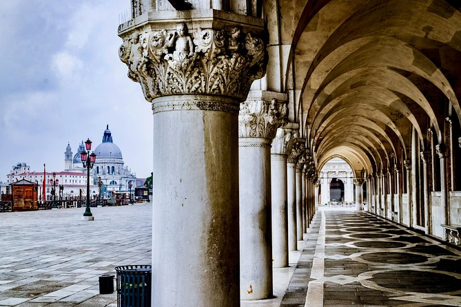 Skip the line Doge's Palace Guided Walking Tour in Venice