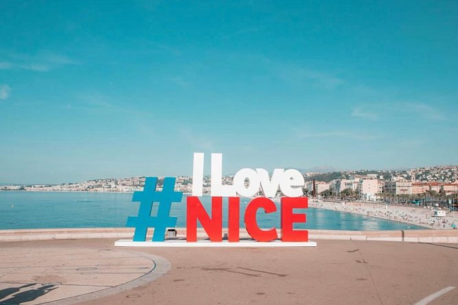 Discovering typical places of Nice