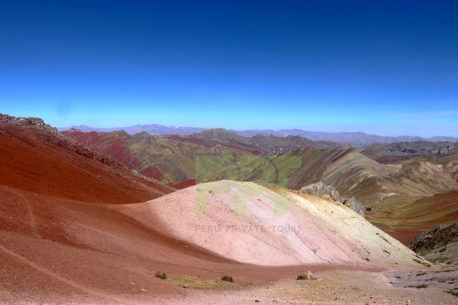 Palcoyo Mountain: Alternative Rainbow Mountain Tour photo 4