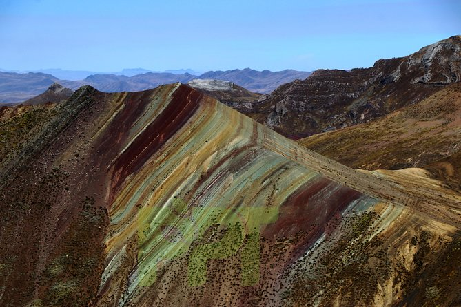 Palcoyo Mountain: Alternative Rainbow Mountain Tour photo 10