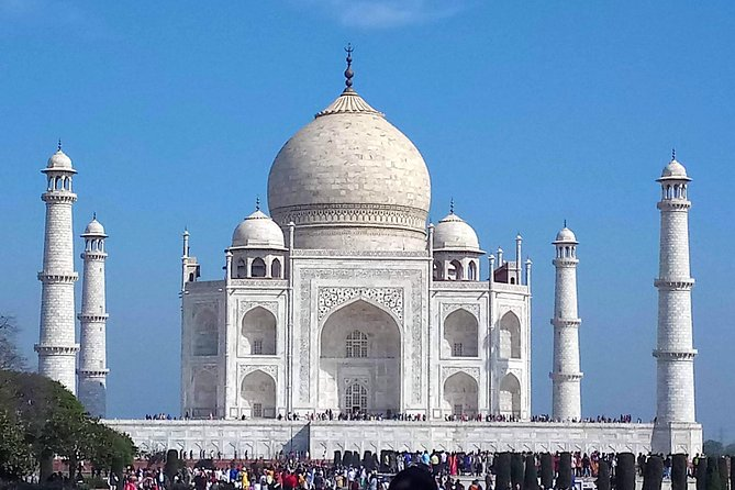 Same day Taj Mahal tour by Gatiman express train photo 4