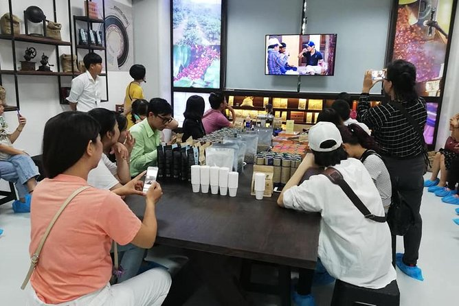 Hoi An city tour and coffee making experience in a factory