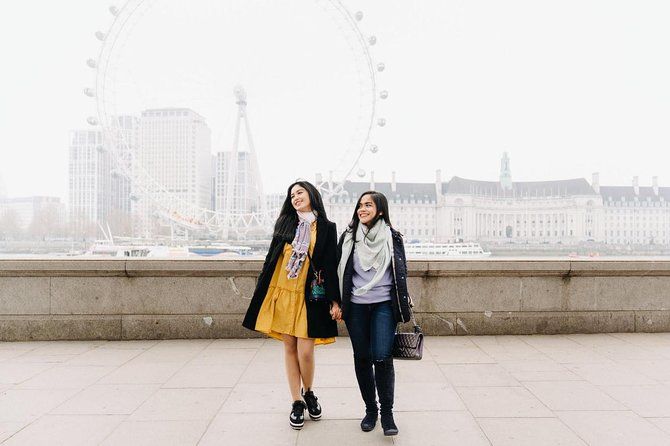 Explore Trafalgar Square & London Eye with Professional Photographer