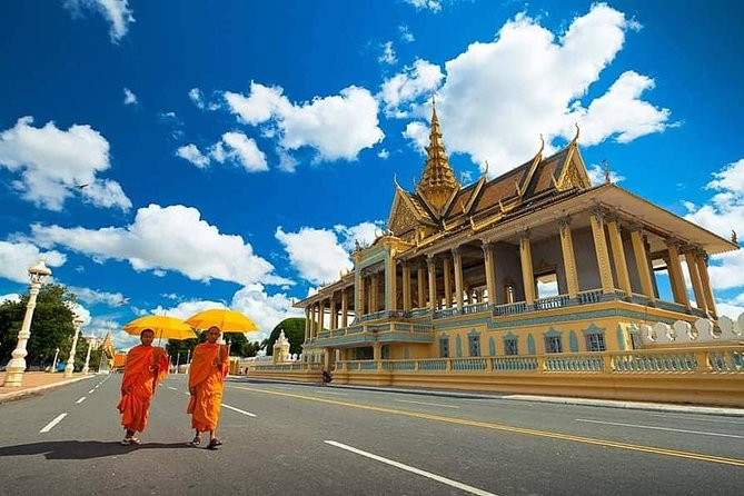 A Day Tour in Capital Phnom Penh City