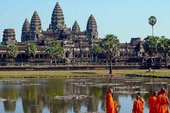 Angkor Wat & Angkor Thom Ruins of Ta Prohm (with guide & private car)