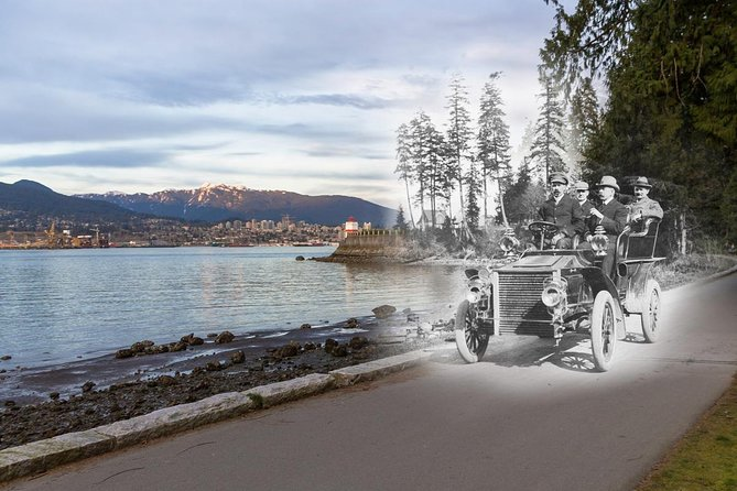Walking Tour Along Stanley Park's Seawall