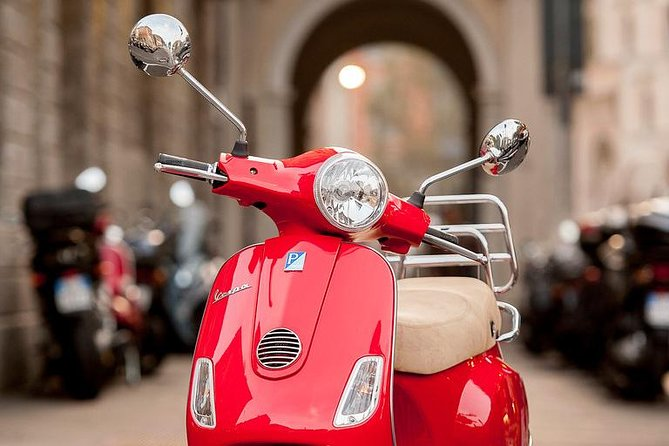 Private Vespa tour in Florence + includes 2hours rental in addition