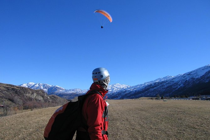 Coronet Peak Tandem Paragliding In Winter INSTRUCTIONAL