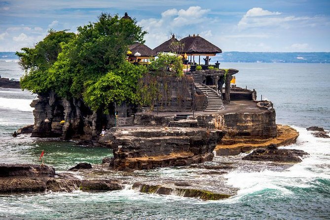 Craft Tour to Pejaten Village and Tanah Lot