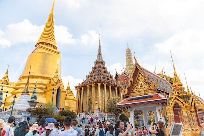 Private Grand Palace and Temple of Emerald Buddha & All Bangkok Highlights