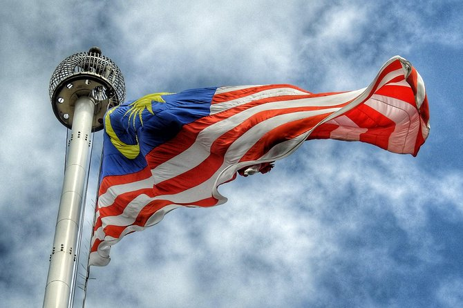 Chauffeur: Kuala Lumpur to Singapore Transfer [Car]