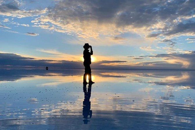 Private: Sunset and starlight tour in Uyuni salt flats.