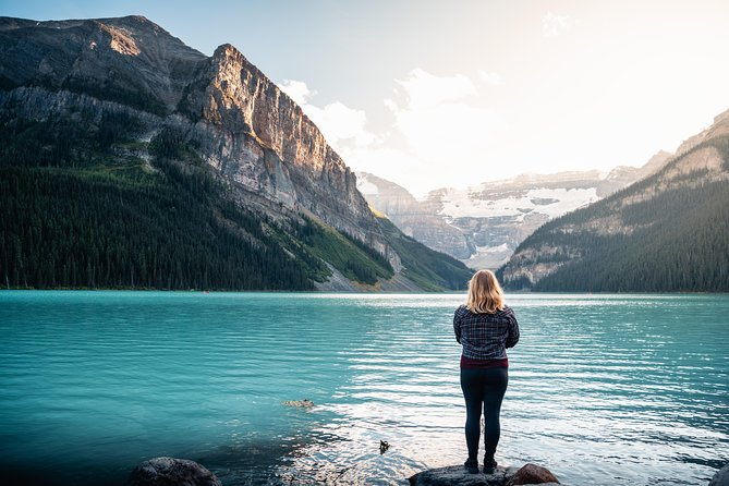 Deluxe Evening Tour to Lake Louise and Moraine Lake with Dinner