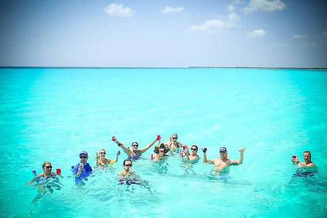 8-Hour Private 42' Azimut Yacht Tour to Palancar Beach w/Food, Open Bar &Snorkel