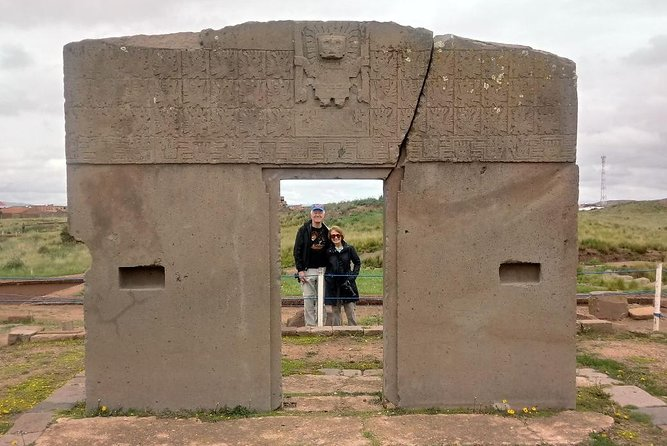 Visite Tiwanacu e o lago Titicaca em um dia de excursão saindo de La Paz.