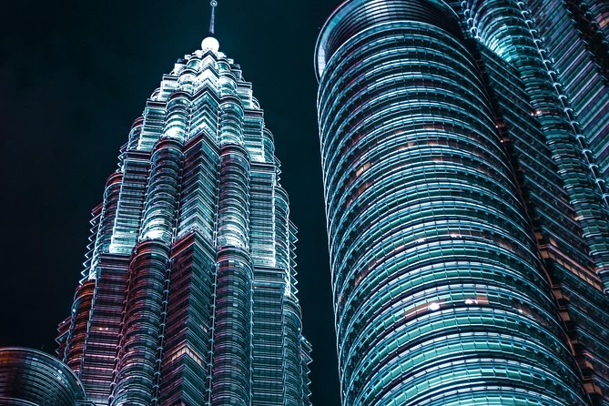 Flexible 13 Hrs Kuala Lumpur Excitements Van Tour from Bentong